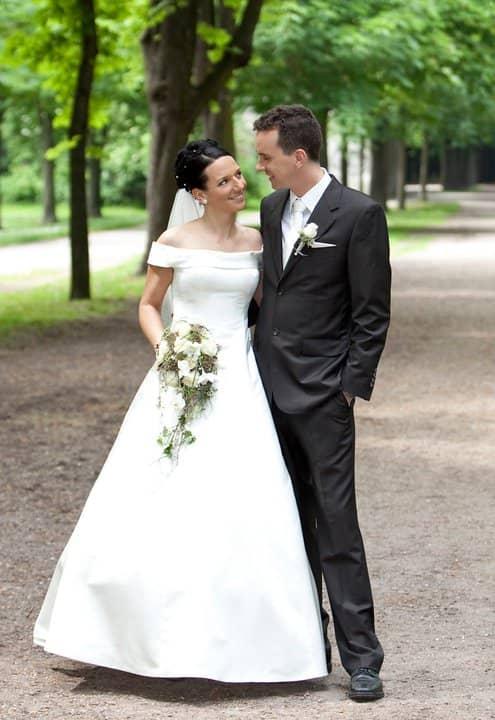 Hochzeitskleider Brautkleider In Wien Lia Brautmoden